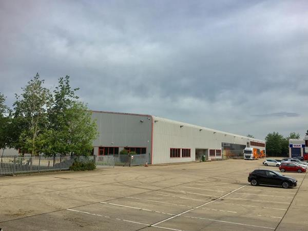 Image of Rear Warehouse & Yard, Kingsmead Business Park, Howland Road, Thame, Oxon, OX9 3FB