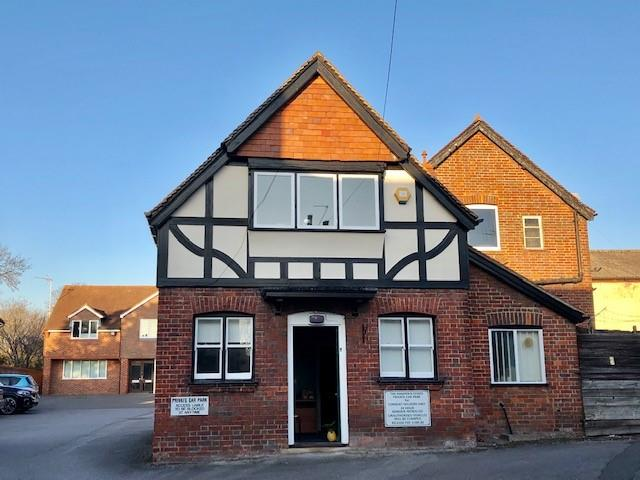 Image of Sunset Lodge, High Street, Princes Risborough, Bucks, HP27 0AX